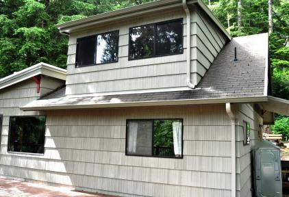 Riverhouse Front